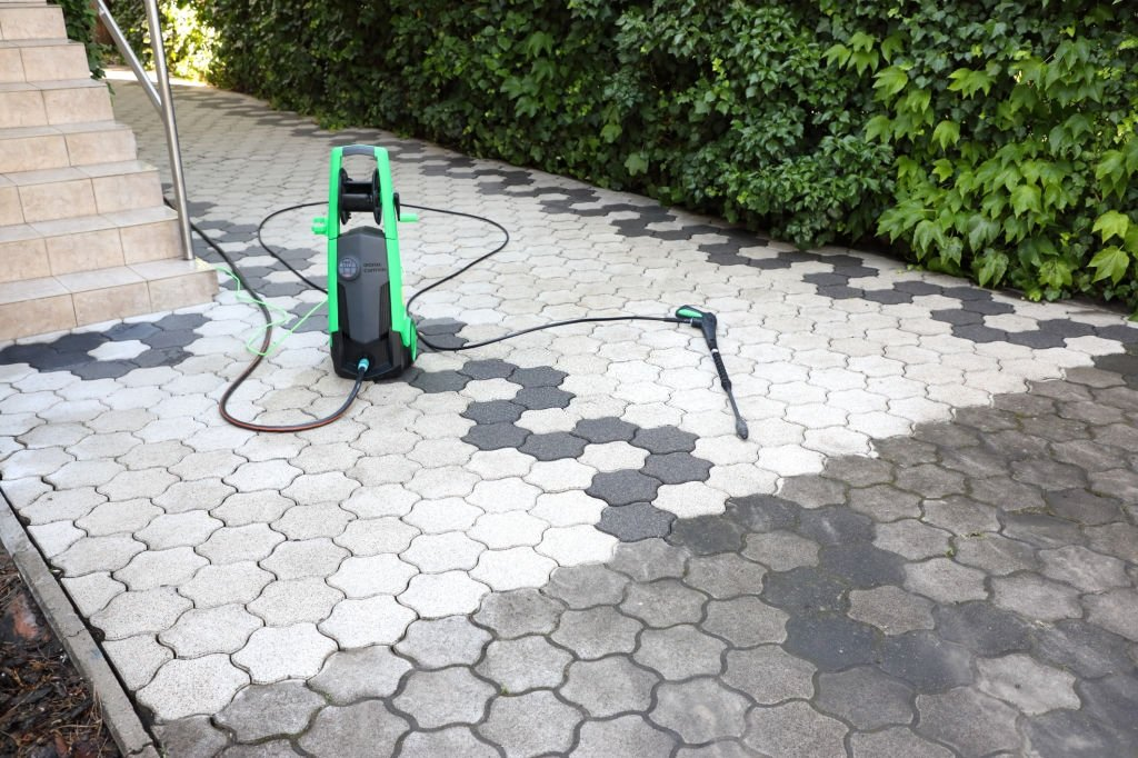 What Can Make an Electric Pressure Washer Keep Cutting Out?